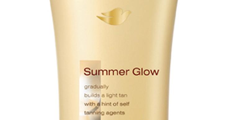 Jämn och diskret solkysst ton med Dove Summer Glow, 45 kronor