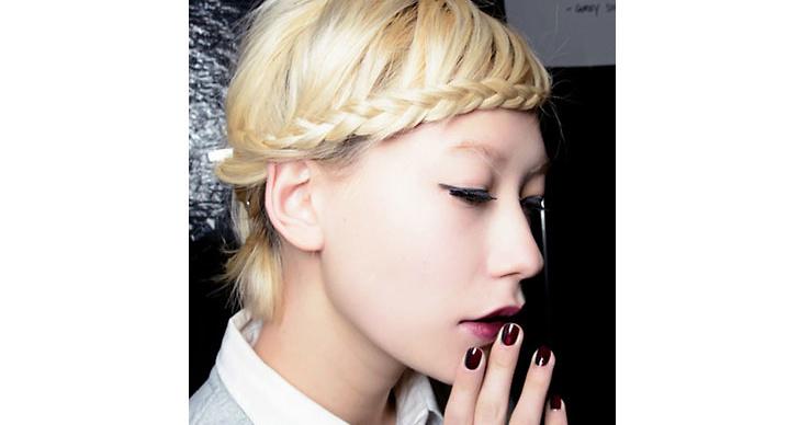 2. Coola flätor: Våga fläta håret även om de är kort. Testa, som på bilden, att göra en rolig variant med luggen.
