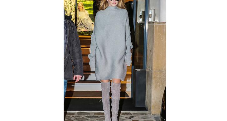 5. 50 shades of grey! Gigi är expert på att klä sig i en färgskara från topp till tå.