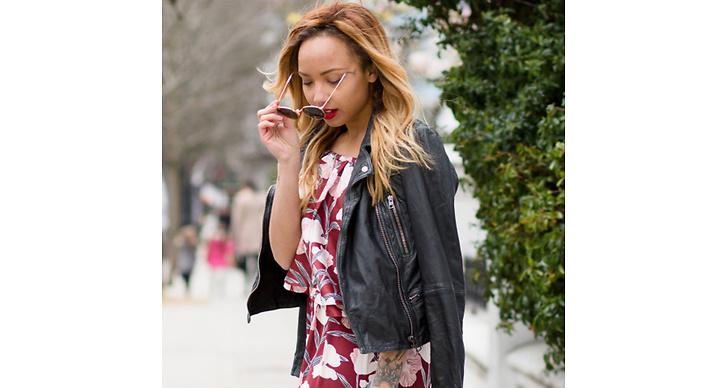Leta efter blommigt. Vintagebutiker är ofta bra på mönster – en av vårens stora trender hittar du second hand.