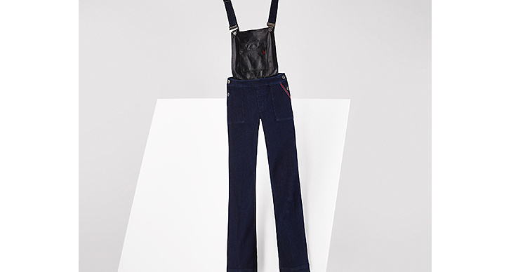 Gigi kombinerade denim med läder och tog hängselbyxan till en helt ny nivå!