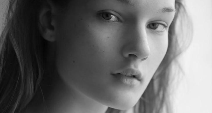 17-åriga Kirsi Pyrhonen syntes på catwalken för Givenchy och Hèrmes.