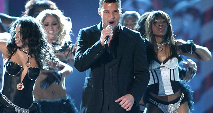 Då: Tro det eller ej, men Ricky Martin uppträdde! Känns kanske inte superaktuell just nu...
