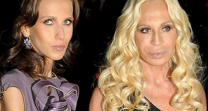 Donatella Versaces dotter får allt större inflytande över modehuset.
