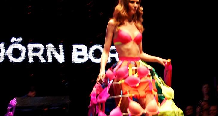 Björn Borg bjöd under fredagkvällen på en färgsprakande undeklädesvisning i Amsterdam. Modette var på plats och dokumenterade showen.