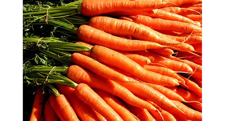 Ät rikligt med morötter för att få en fin sommarlook. Kroppen omvandlar nämligen betakarotenet i morötterna till A-vitamin något som ger dig en fin solbränna.