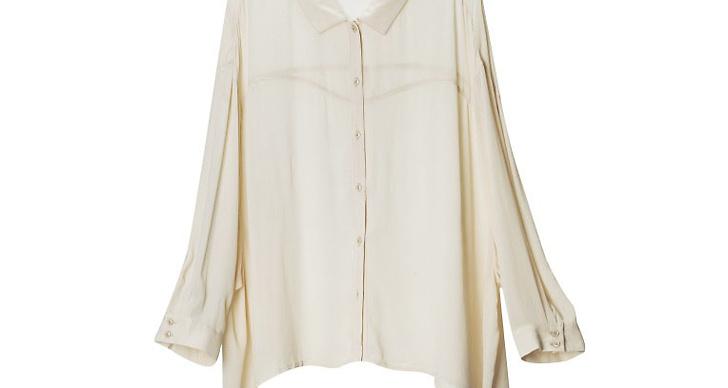 Transparent skjorta i nudefärgat.