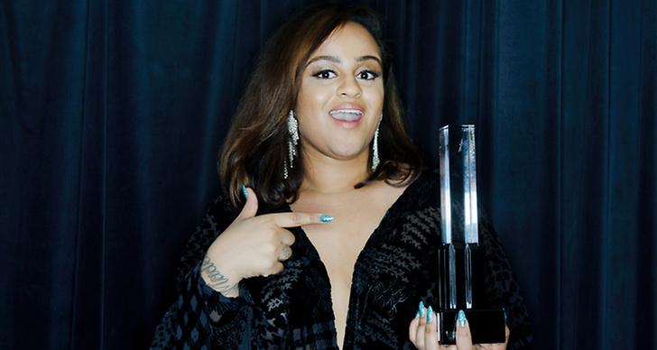 År 2015 vann Seinabo Sey pris för årets nykomling på grammisgalan.