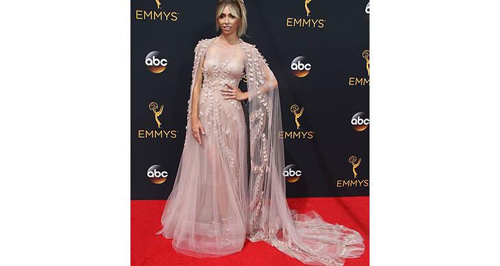 Vi älskar Giuliana Rancic klänning!