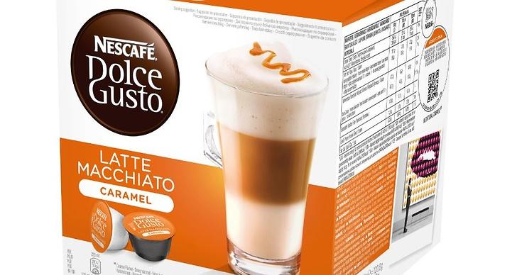 """""""Latte Macchiato Caramel med ångad, skummad och lätt sötad mjölk på ett lager av mjuk, fyllig espresso med en utsökt antydan av karamell."""""""