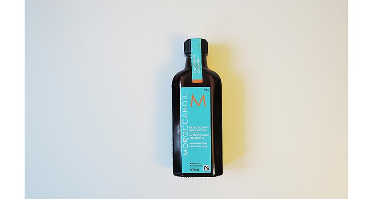 Moroccanoil, 339 kr. En hårolja för alla hårtyper som återfuktar och stärker ditt hår. Bra när du vill få extra lyster.