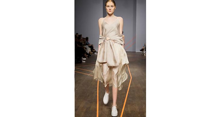 Det var första gången som talangen Isabell Yalda Hellysaz visade en kollektion under fashionweek.
