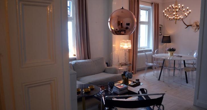 Självklart hänger lampan i Petra Tungårdens snygga hem som är fullt med designklassiker. Hennes blogg hittar ni här http://petra.metromode.se/
