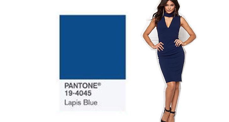 Plagg i blåa kulörer kommer vi se mycket av framöver. Denna klänning från <a href='https://track.adtraction.com/t/t?a=462891025&as=1119460438&t=2&tk=1&url=http://www.bubbleroom.se/sv/kläder/kvinna/goddiva/midiklänningar/cutout-high-neck-midi-navy'>Goddiva</a> blir din för bara 700 kronor.