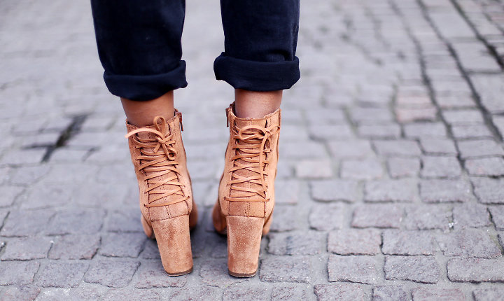 stora fötter stora skor